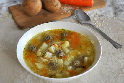 Суп с жареными фрикадельками