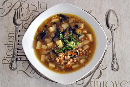Суп из шампиньонов с ячменем